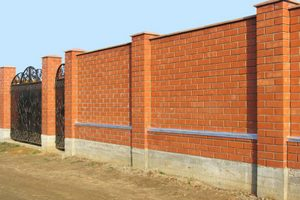 Кирпичный забор своими руками