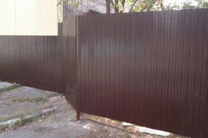 Забор из профнастила без фундамента