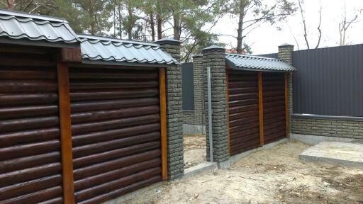 деревянный забор из оцилиндрованного бруса