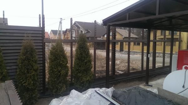Стойки под деревянный забор из дуба