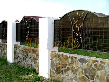 Забор, ковка, камень сотовый поликарбонат