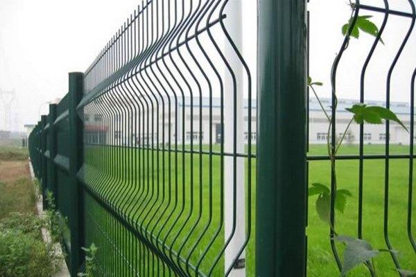 Секционный забор из оцинкованной проволоки