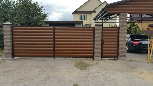 забор из кирпича фагот с профнастилом киев