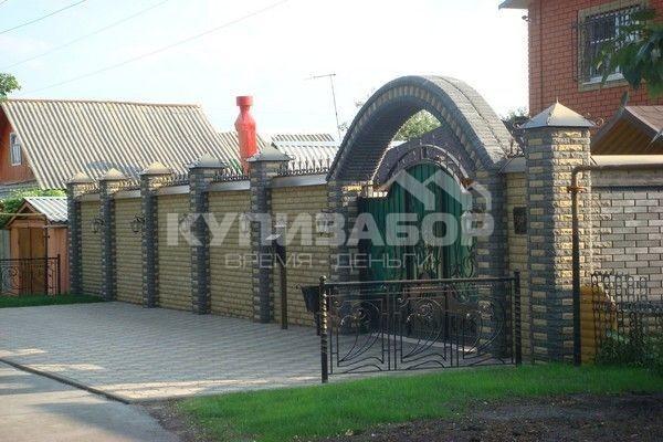 кирпичный забор фото